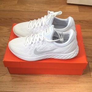 Nike mens Lunar Skyelux Running Shoe New!